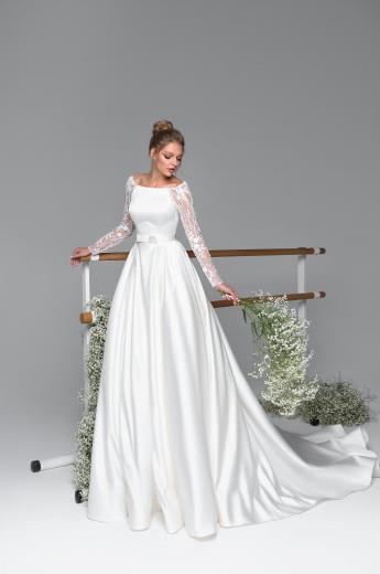 d6ec9e4bbf Esküvői ruhák - Eva Lendel - Wedding Salon «Boginya»